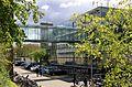 ArtEZ Rietveldgebouw Arnhem loopbrug.JPG