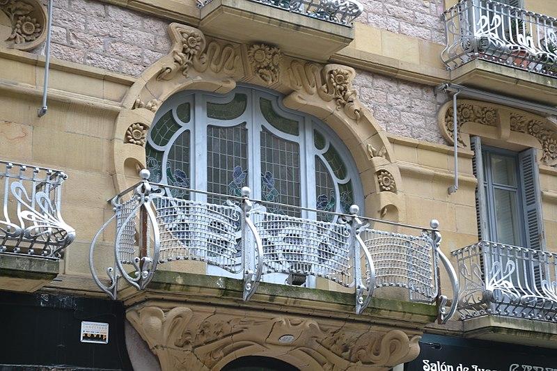 File:Art nouveau, Donostia-San Sebastian (3).jpg