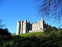 Arundel Castle in Late Autumn - geograph.org.uk - 619.jpg