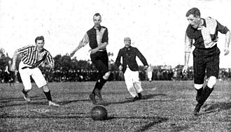 Sociedad Sportiva Argentina - Alumni (in striped jersey) and Rosario A.C. played the Tie Cup finals of 1902 and 1903 at Sociedad Sportiva