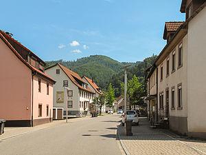 Zell im Wiesental - Image: Atzenbach, straatzicht foto 1 2013 07 26 12.46