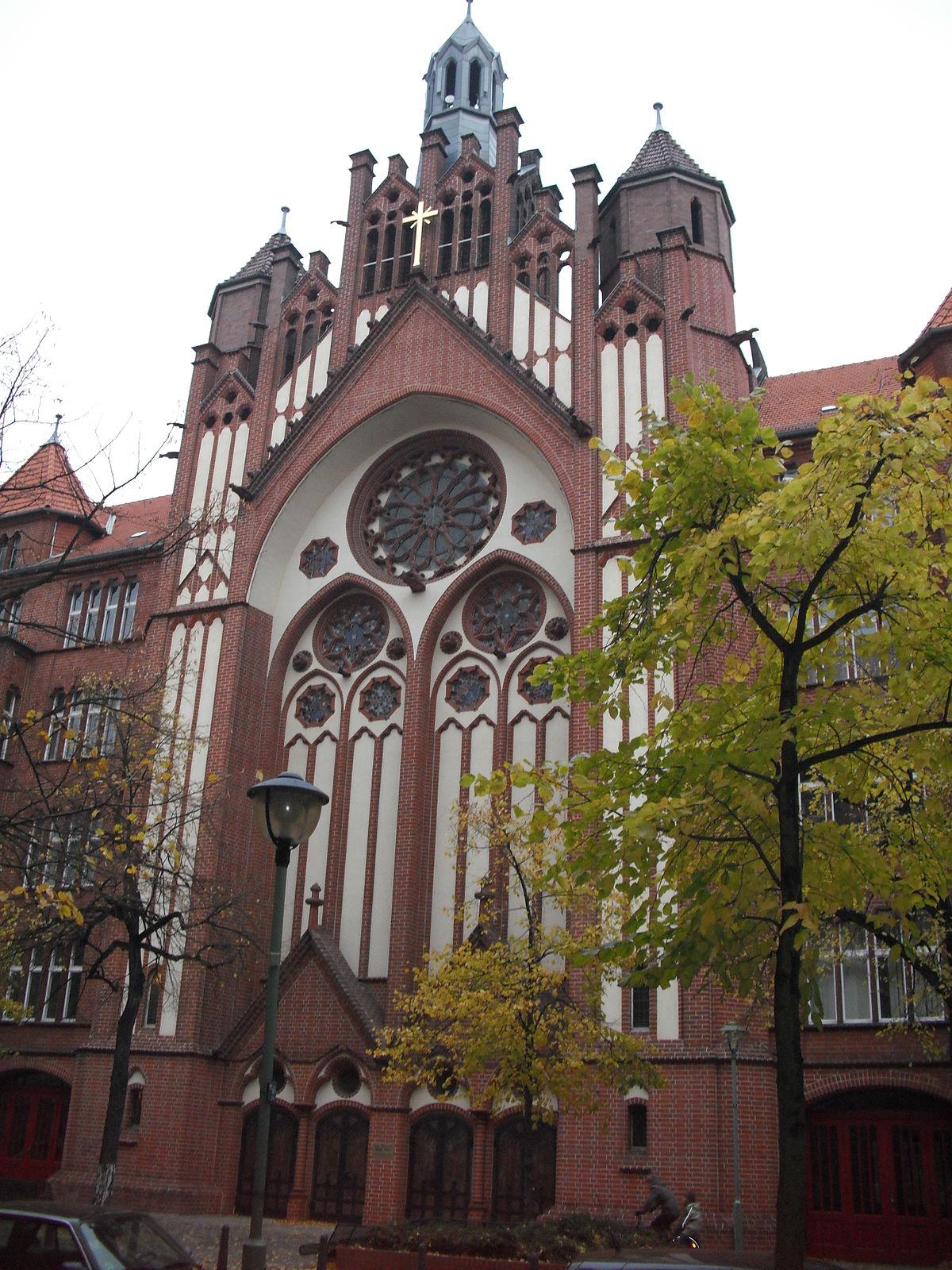 Glise Sainte Croix De Berlin Wilmersdorf Wikip Dia