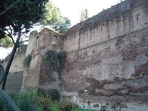 Horti Aciliorum - Section of the Aurelian Wall near the Muro Torto - originally the retaining wall north of the Horti Aciliorum.