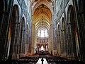 Auxerre Cathédrale St. Étienne Innen Langhaus Ost 4.jpg