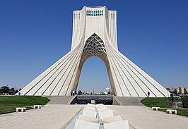 Azadi Tower (29358497718) (cropped).jpg