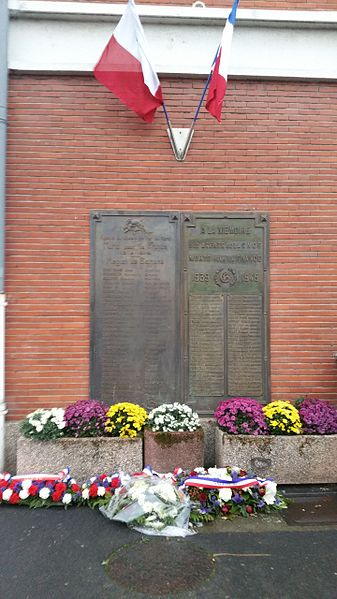 File:Béthune - Plaque commémorative de la gare.jpg