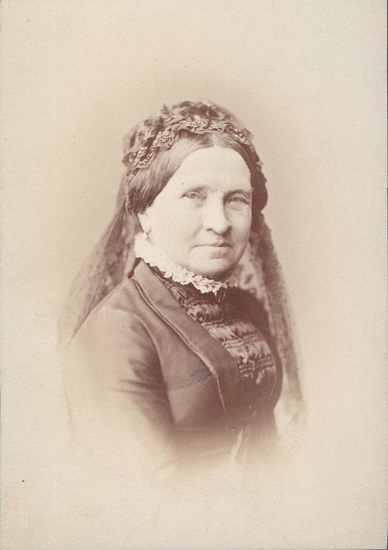 Countess Julia Hauke, Princess of Battenberg   Unofficial Royalty
