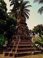 BUDDIST TEMPLE VIENTIANE LAOS FEB 2012 (6992439395).jpg