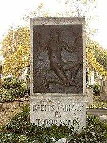 Babits Mihály sírja.jpg
