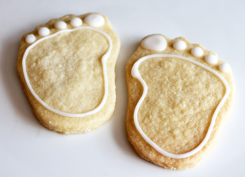 File:Baby shower shortbread biscuits 2 (8515549864).jpg