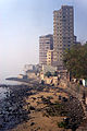 Back Bay shoreline, near Walkeshwar road, Mumbai.jpg