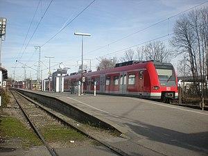 S7 (Munich) - Class 423 train at Wolfratshausen station