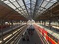Bahnhofshalle Lübeck Hauptbahnhof.jpg