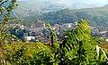 Barolo - veduta panoramica con la chiesa.jpg