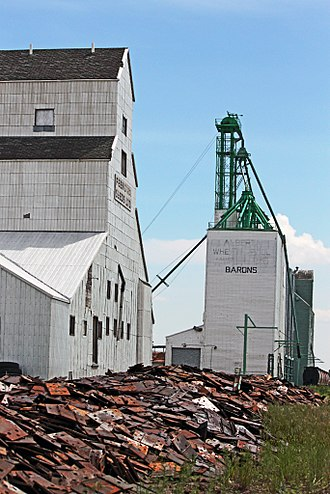 Barons, Alberta - Barons' last remaining elevators along the CPR tracks prior to demolition