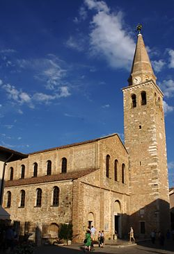 Basilika Eufemia Grado.jpg