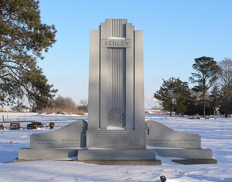 File:Behlen monument (Columbus, Nebraska).JPG