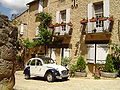 Belves Dordogne France 2CV.JPG