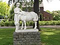 Bemmel (Lingewaard) beeld paard met meisje (het paard).JPG