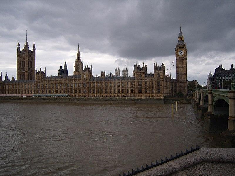 ساعة بيج بن 800px-Big_Ben_and_Westminster_Palace