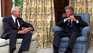 Governor-General of New Zealand - Governor-General Sir Michael Hardie Boys receives US President Bill Clinton at Government House, Wellington, 11 September 1999.