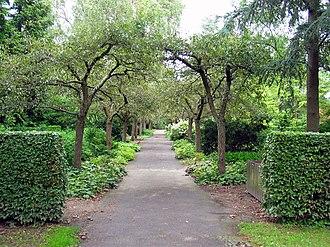 Bispebjerg Cemetery - Image: Bispebjerg Kirkegård 2005 22