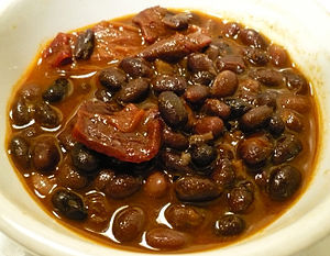A bowl of Mexican-style vegetarian black bean ...