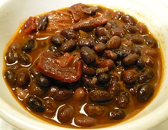 Frijoles negros - A bowl of Mexican-style vegetarian frijoles negros