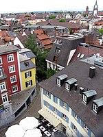 Blick vom Freiburger Schwabentor, am Horizont Uni-Turm und Martinstor (v.l.n.r.).jpg