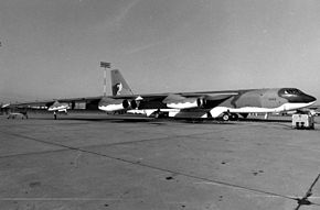 Boeing B-52H-175-BW (SN 61-0040) This was the last B-52 built 061026-F-1234S-024.jpg