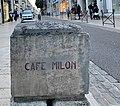 Borne Café Milon (Auxerre), rue du Temple.jpg