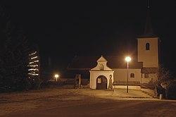 Bory, kostel - panoramio.jpg