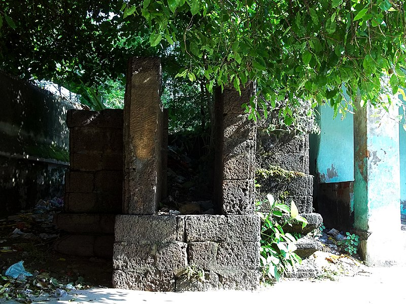 File:Boudha stupaMarichi temple Baleswar Odisha.jpg