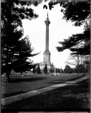 Brock's Monument - The second monument in 1915