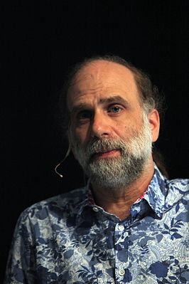 Bruce Schneier at CoPS2013-IMG 9247.jpg
