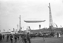 Tempelhof-Historia-Fil:Bundesarchiv Bild 102-12094A, Berlin-Tempelhof, Ankunft der