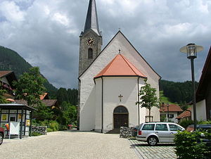 Burgberg im Allgäu - Church square