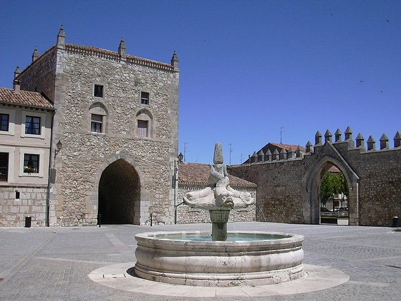 Burgos - Las Huelgas - Patio04.jpg