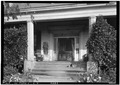 CLOSE-UP OF FRONT ENTRANCE - Strawberry Hill Plantation, U.S. Route 43, Forkland, Greene County, AL HABS ALA,32-FORK.V,2-4.tif