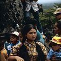 COLLECTIE TROPENMUSEUM Bezoekers bij de stupa's op de Borobudur TMnr 20027040.jpg