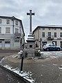 Calvaire-fontaine de Miribel sous la neige en février 2021.jpg