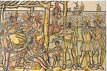 Peinture représentant une dizaine d'hommes, femmes et enfants emplumés autour d'un festin constitué d'autres hommes. En arrière-plan se trouvent des bateaux européens sur la mer.