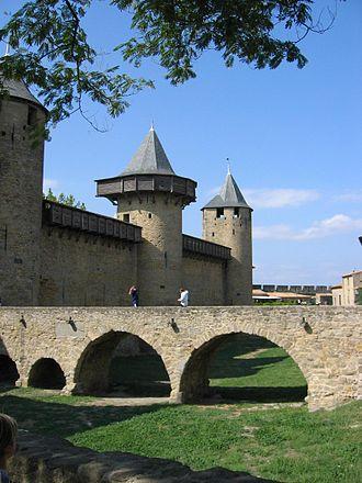Hoarding (castle) - Reconstructed wooden hoarding at the Cité de Carcassonne, France