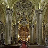 Fotos De Catedral Gotica Con Columnas Decoradas