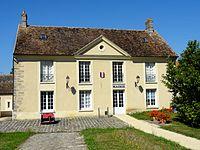 Champeaux (77), mairie, rue du Cloître.JPG