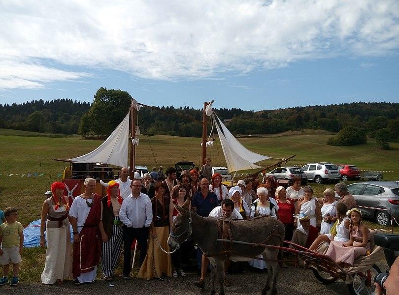 Vue de groupe lors du repas gaulois organisé à Charix en septembre 2016.