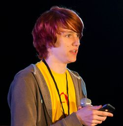 McDonnell a 2010-es VidCon-on