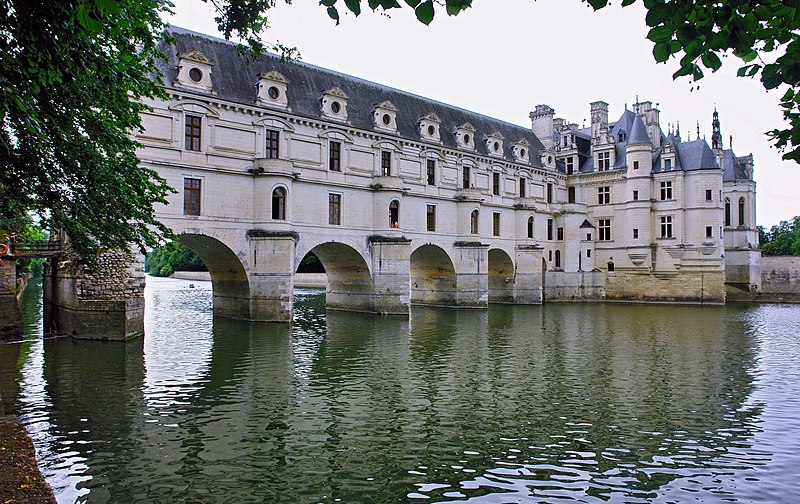 File:Chenonceau Eastern View 2.jpg