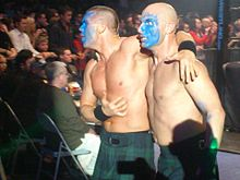 Description de l'image Christopher Daniels & Frankie Kazarian Mocking The Scottish People At Braehead.jpg.