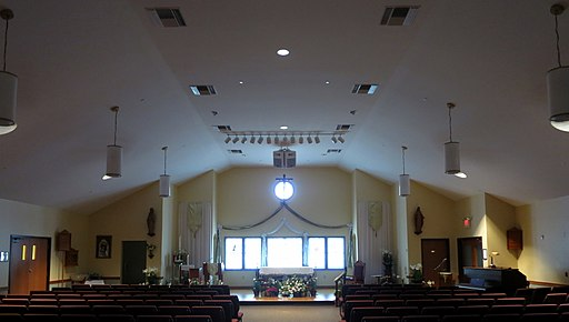 Church of the Ascension (Johnstown, Ohio) - nave with Easter decoration